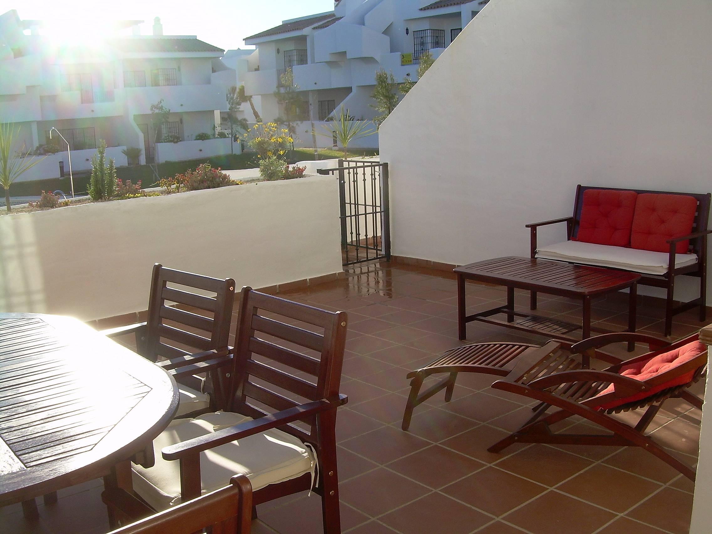 Apartamento en alquiler a 600 m de la playa islantilla i - Rentalia islantilla ...