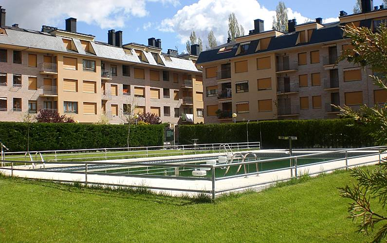 Apartment with 2 bedrooms Jaca/Astún Huesca - Swimming pool