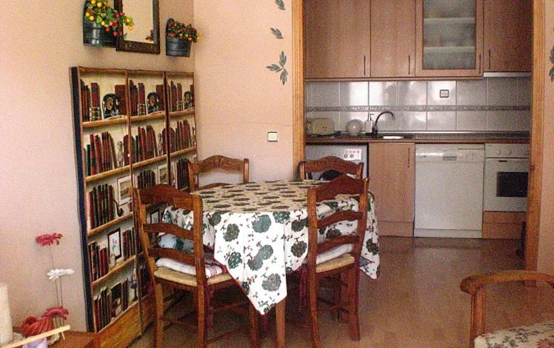 Apartment Dining-room Huesca Jaca Apartment - Dining-room
