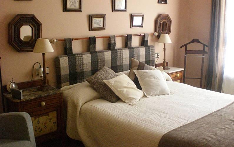 Apartment Bedroom Huesca Jaca Apartment - Bedroom