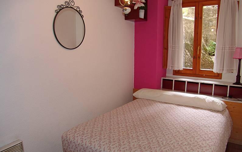 Apartment Bedroom Huesca Sallent de Gállego Apartment - Bedroom