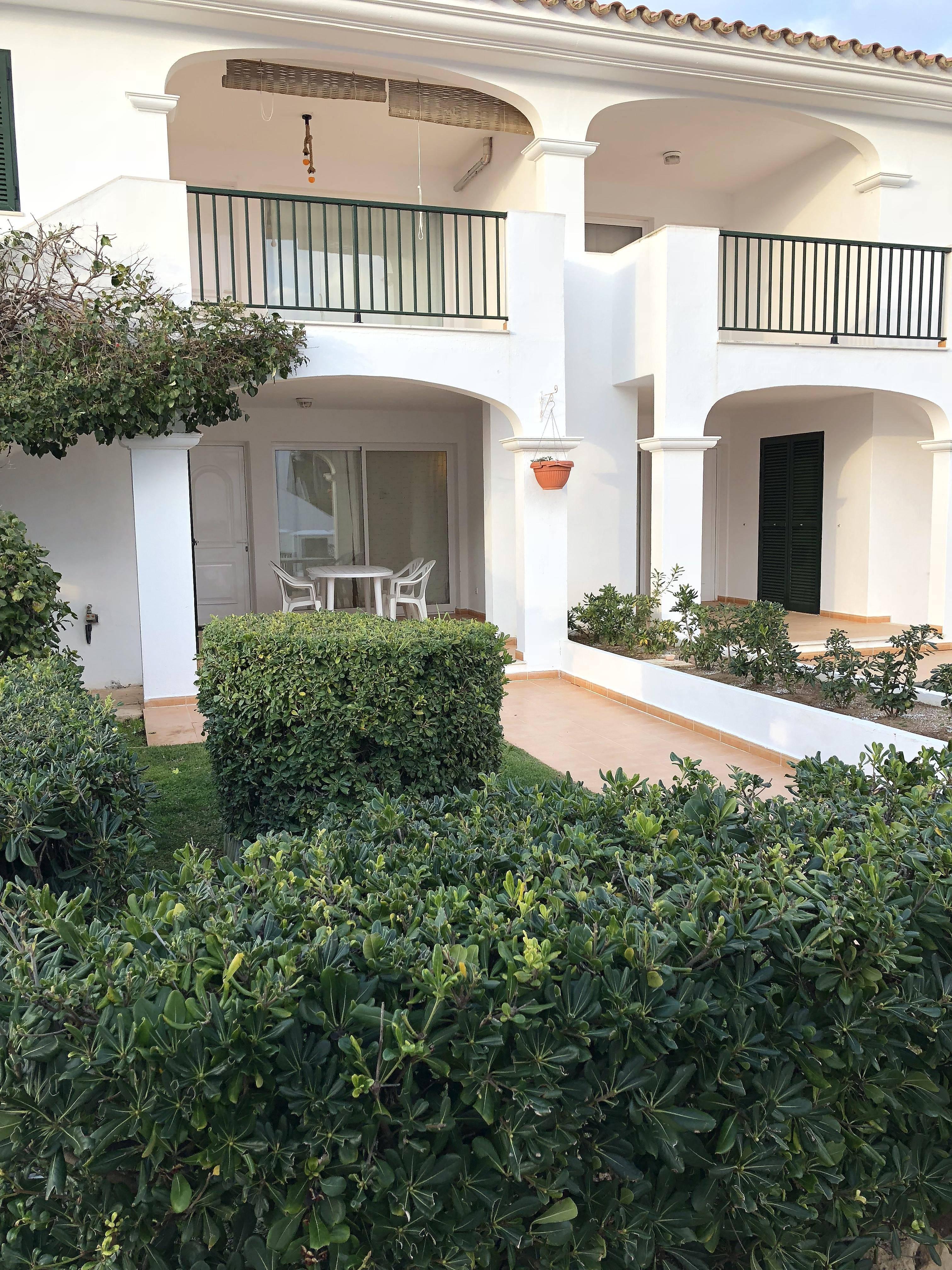 Apartamentos port d 39 addaia es mercadal alquiler apartamentos y pisos tur sticos - Alquiler apartamentos turisticos ...