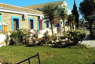 El refugio de ximo de 6 a 7 plaza,a 60 mtrs de playa Alicante