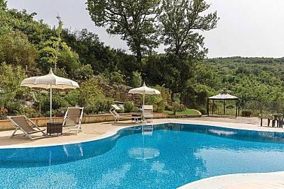 Villa con 4  camere di cui 3 matrimoniali  Salerno