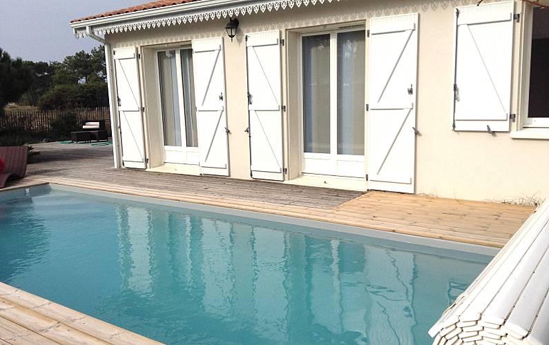Nettes Haus Mit Schwimmbad Amp Garten Vensac Gironde
