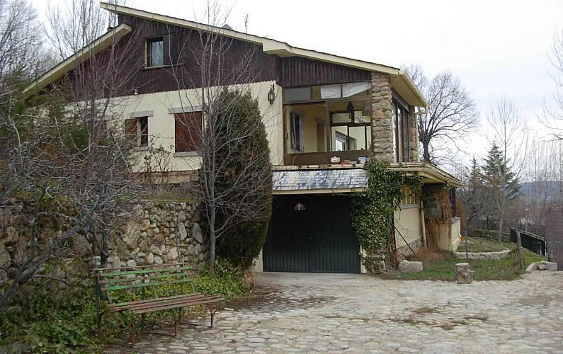 Casa de 4 habitaciones y apartamento en Rascafria Madrid