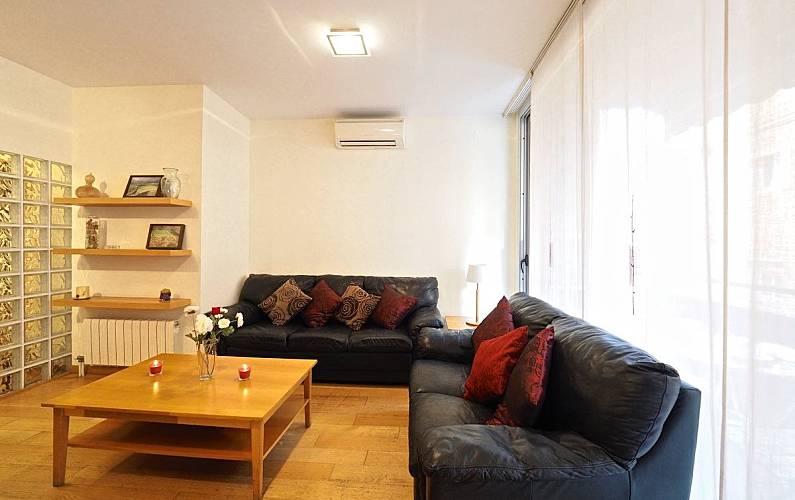 appartement pour 9 personnes barcelone centre barcelone barcelone centre ville de barcelona. Black Bedroom Furniture Sets. Home Design Ideas