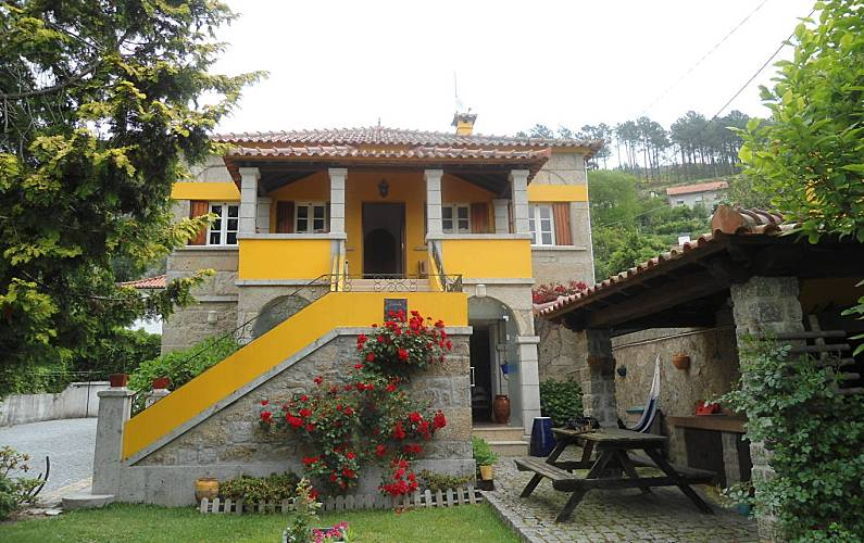 Villa en alquiler a 15 km de la playa Viana do Castelo
