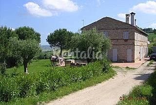 Appartement pour 6-8 personnes à 9.8 km de la plage Fermo