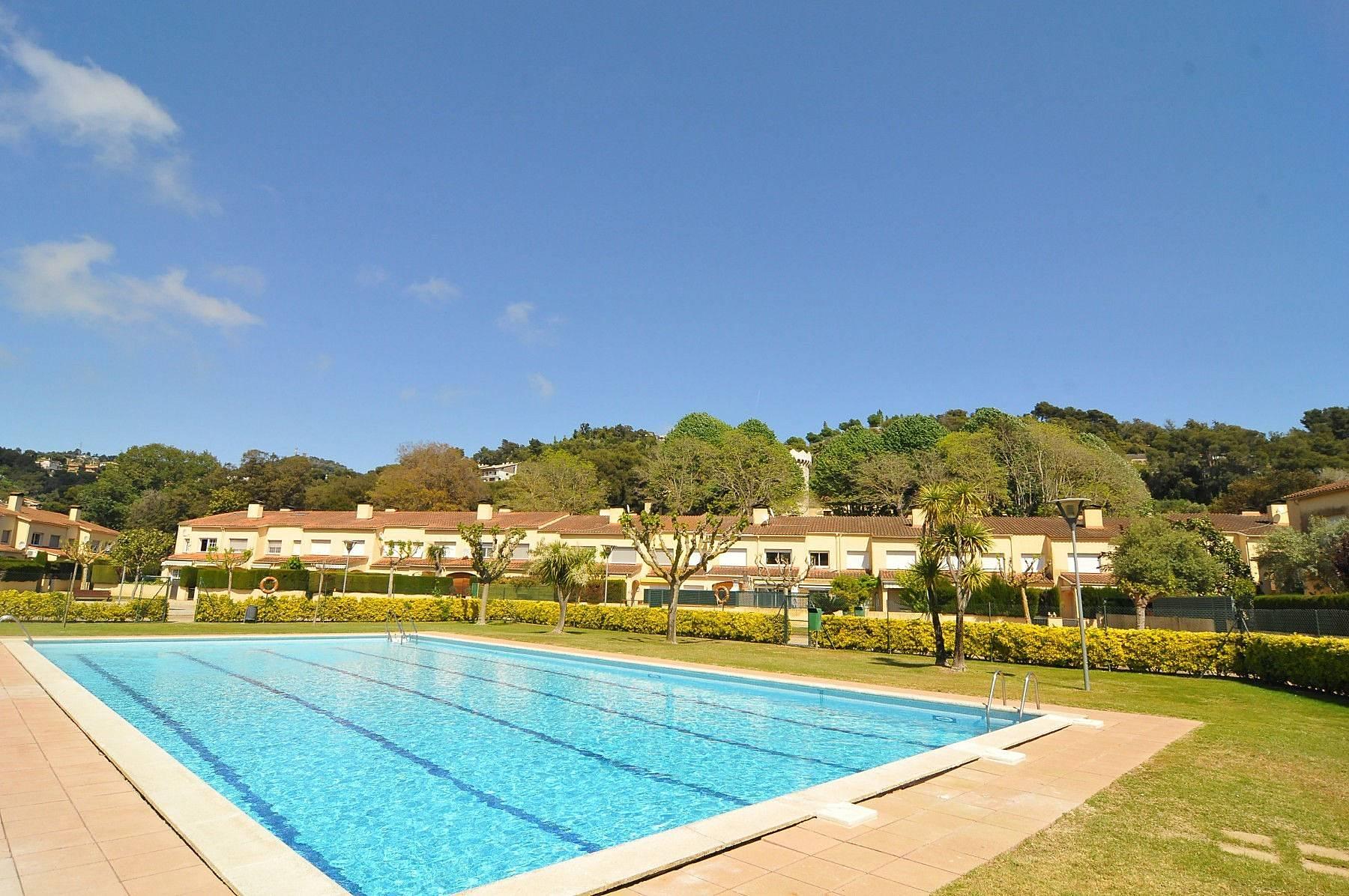 Alquiler vacaciones apartamentos y casas rurales en palafolls barcelona - Alquiler casas rurales barcelona ...
