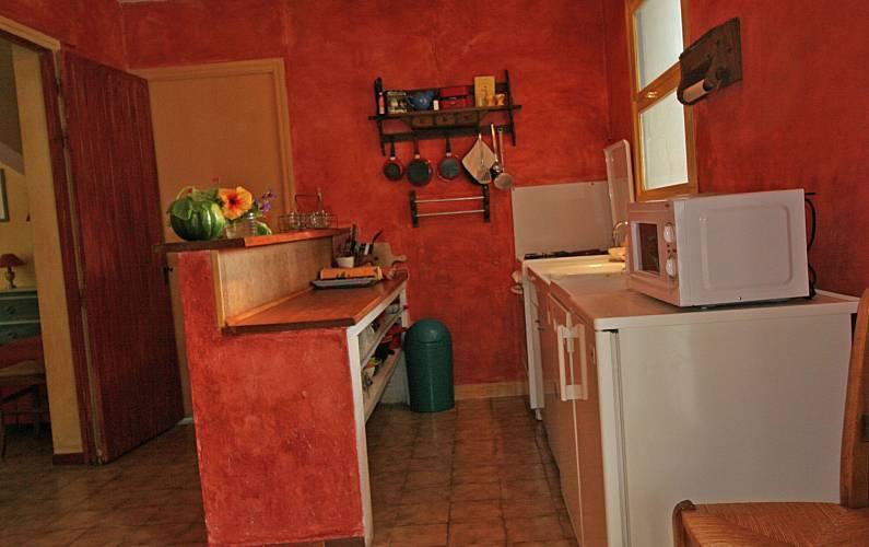 Casa in affitto provenza alpi costa azzurra simiane la for Finestre rotonde del bagno