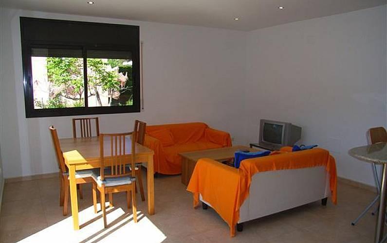 Apartamento com 2 quartos a 150 m da praia la mora for Sala 0 tarragona