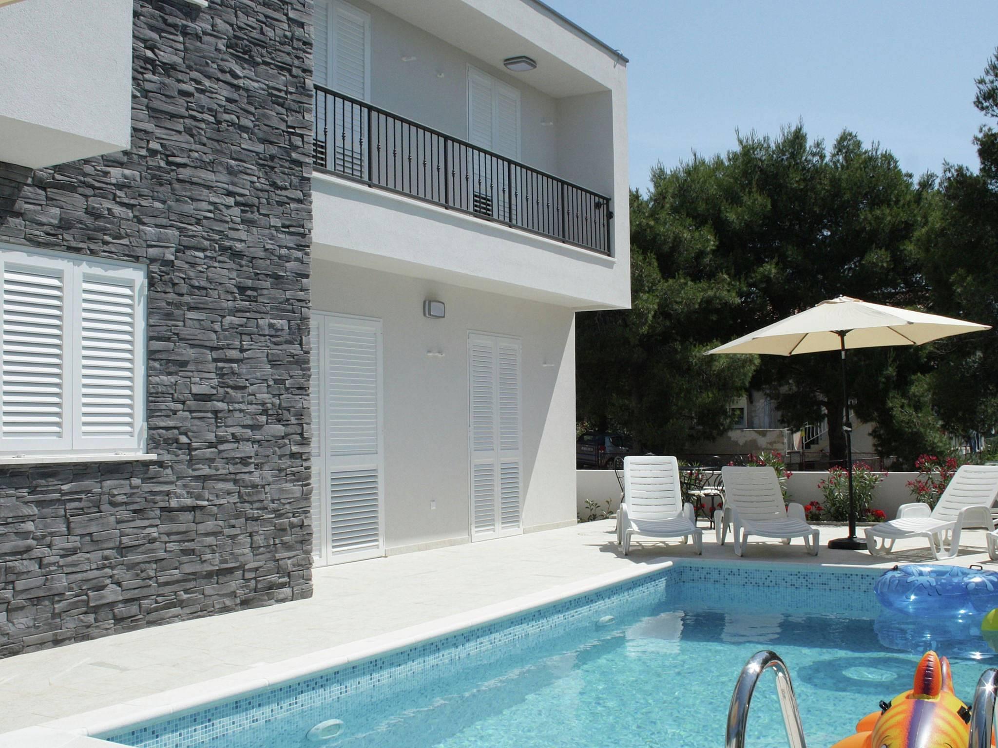 villa para 7 personas en vinovac vinovac marina split. Black Bedroom Furniture Sets. Home Design Ideas