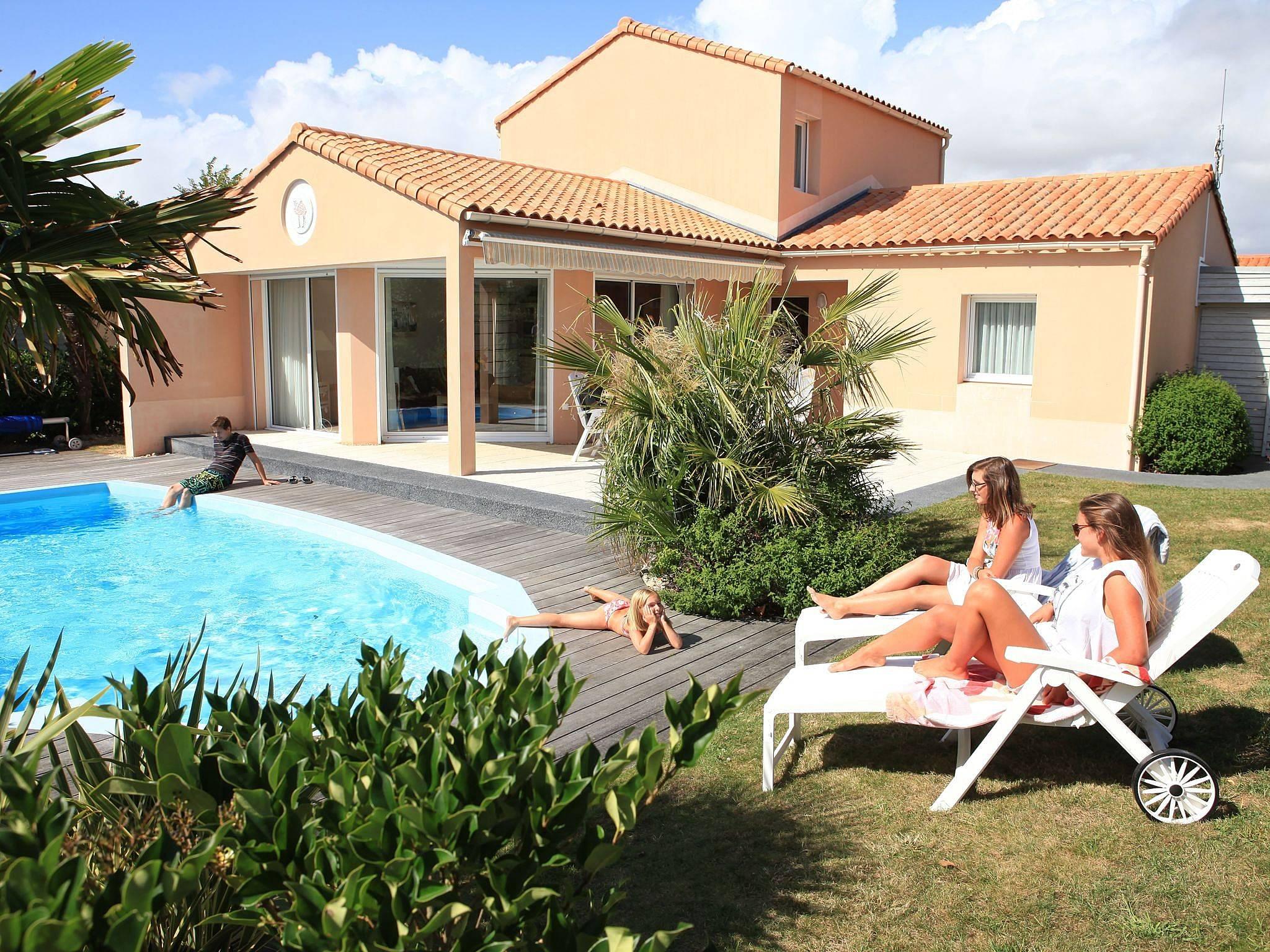 villa pour 8 personnes chateau d 39 olonne chateau d 39 olonne vend e. Black Bedroom Furniture Sets. Home Design Ideas