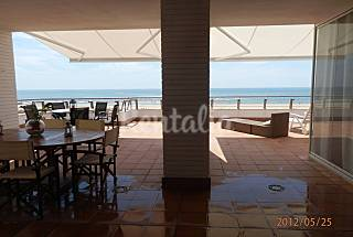 Semi-penthouse, 4 rooms. first line beach.Heating Huelva