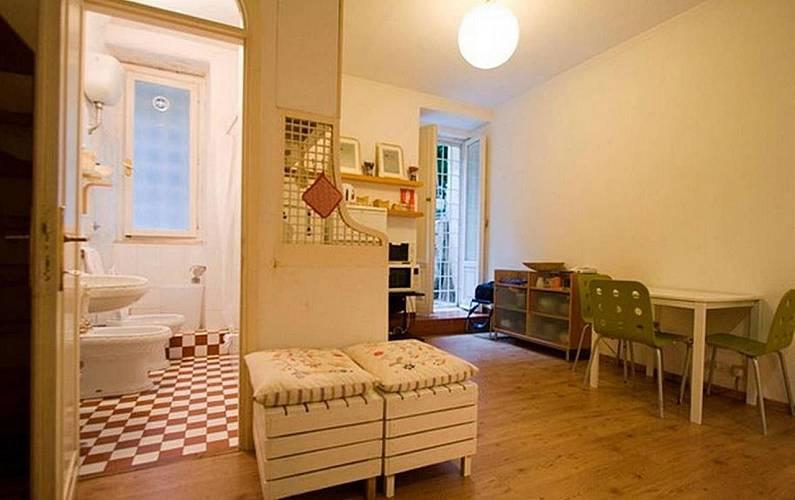 Appartamento per 3 persone roma stazione roma roma for Appartamento amsterdam 8 persone
