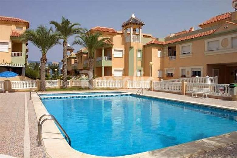 la manga apartamentos a 50 m de la playa piscina la