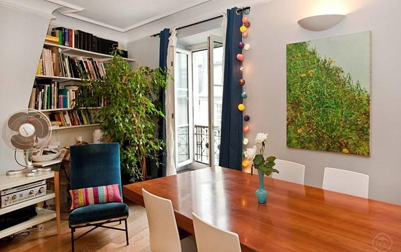 wohnung f r 3 personen in paris paris 6e paris paris. Black Bedroom Furniture Sets. Home Design Ideas