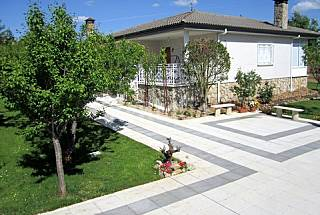 House for rent with private garden Salamanca