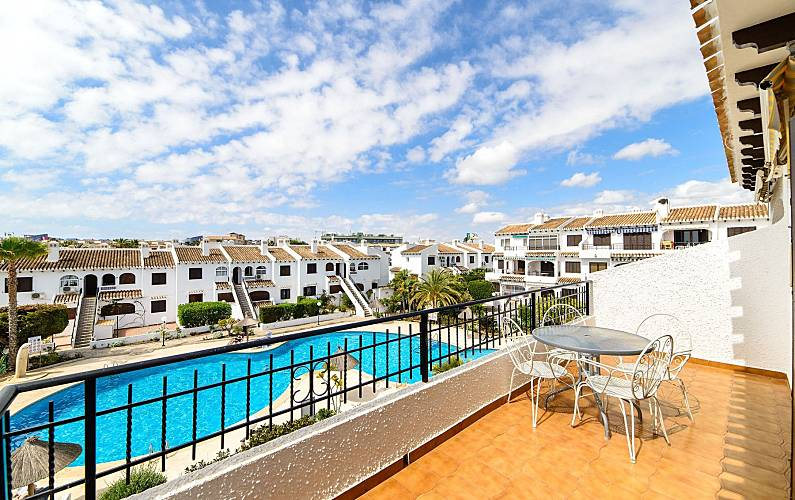 Appartement en location cabo roig urbanizacion la for Chauffage piscine russe