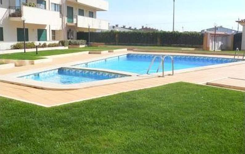 Apt 4 pax em condominio privado com piscina Leiria - Piscina