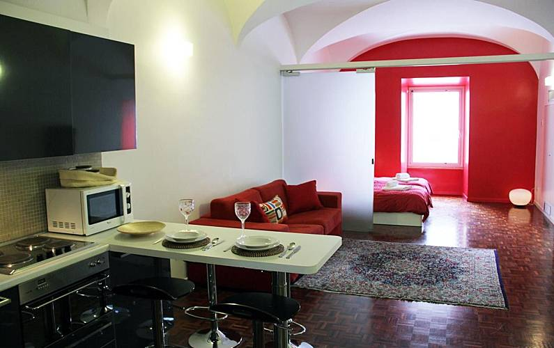 wohnung f r 4 personen in rom stazione rom rom. Black Bedroom Furniture Sets. Home Design Ideas