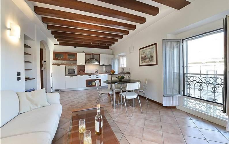 Appartamento per 4 persone milano porta venezia for Appartamento amsterdam 8 persone