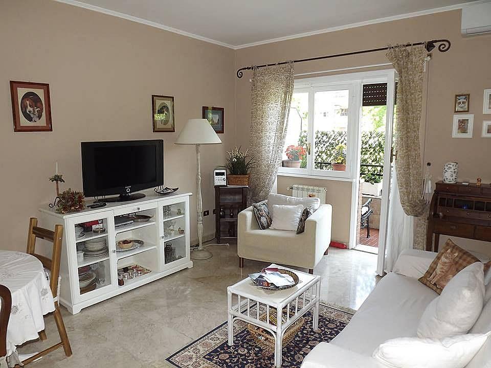 wohnung f r 4 personen in latium il centro rom rom. Black Bedroom Furniture Sets. Home Design Ideas