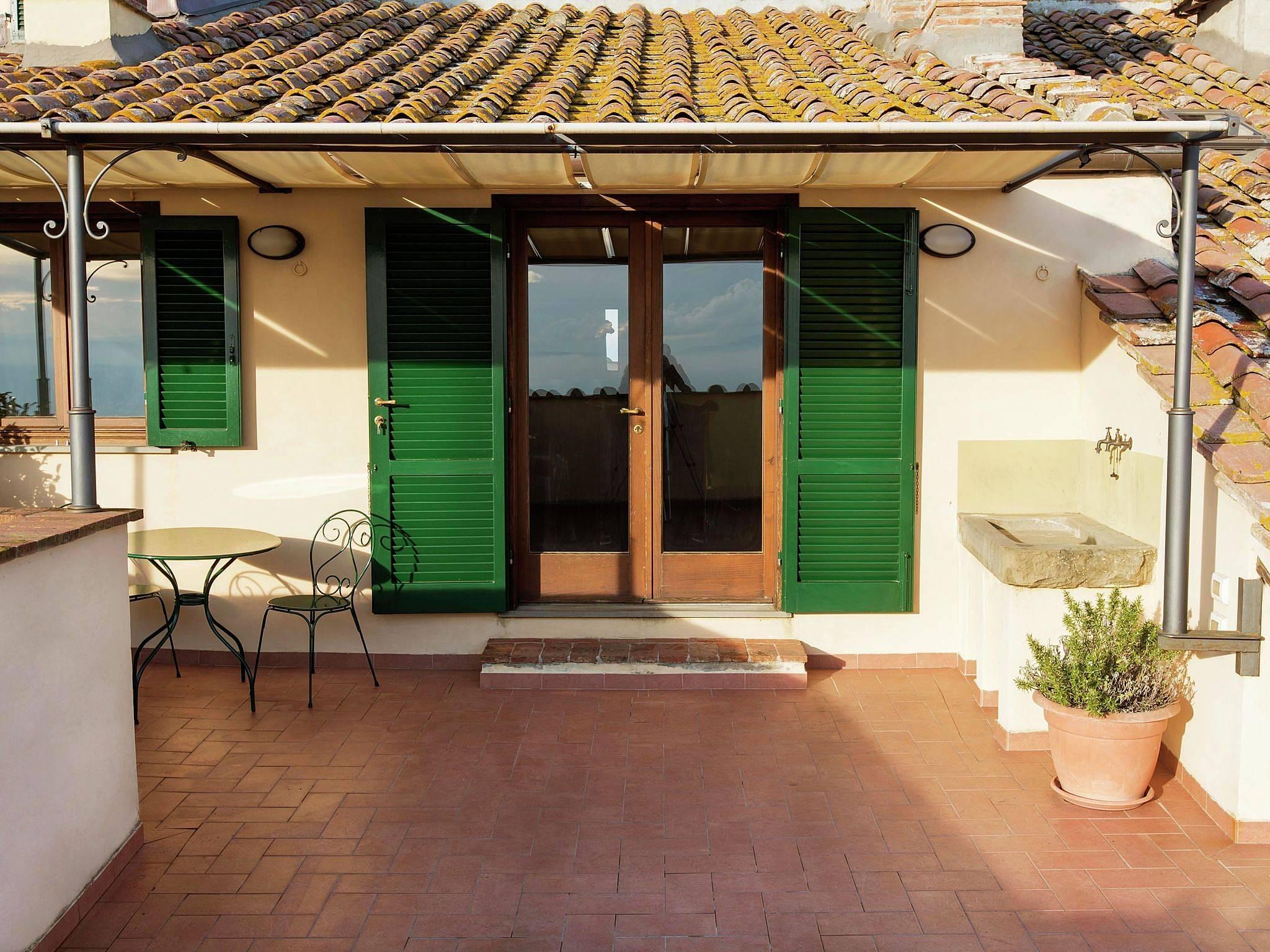 Wohnung zur miete in montecchio montecchio cortona for Suche wohnung zur miete