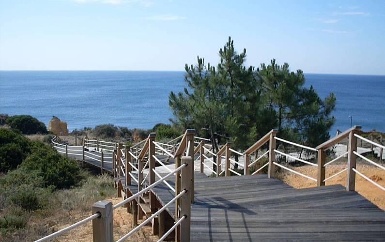 Apartamentos a 600 m da praia de São Rafael. Algarve-Faro - Arredores