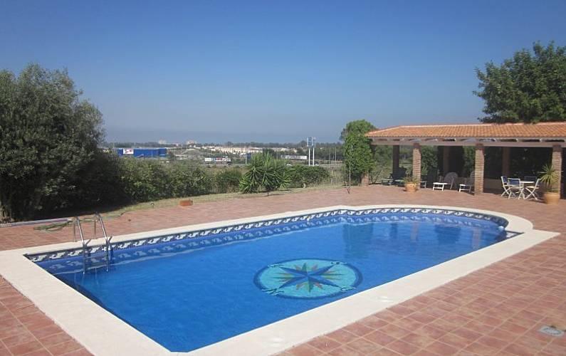 Maison en location 2 km de la plage torremolinos for Villa malaga piscine