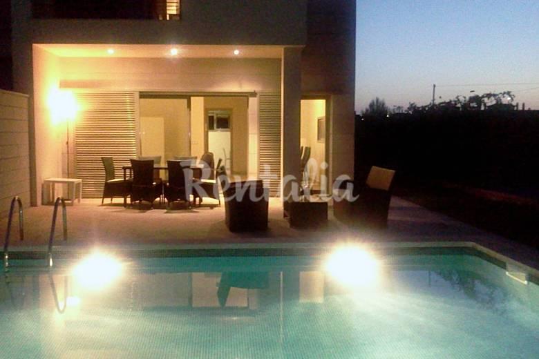 Huis met 3 slaapkamers op 800 meter van het strand for Zwembad thuis prijzen