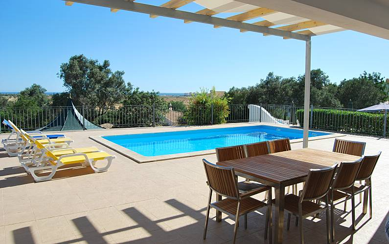 Villa for rent only 1000 meters from the beach Algarve-Faro - Terrace
