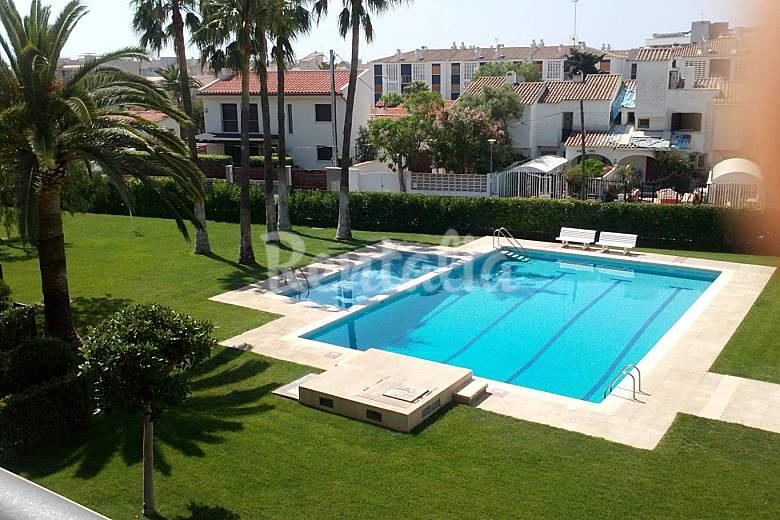 Apartamento de 3 habitaciones a 50 m de la playa for Apartamentos jardin playa larga tarragona