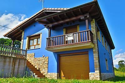 Casa en alquiler a 3 km de la playa Asturias