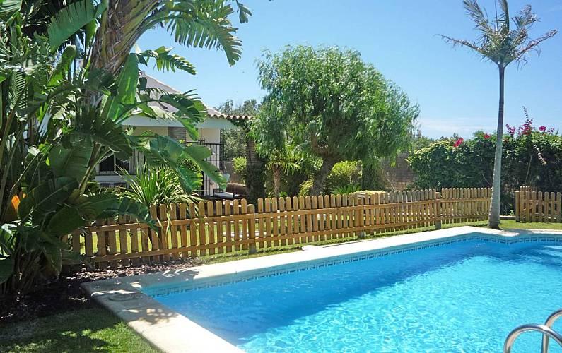 villa con piscina privada cerca de la playa wifi conil