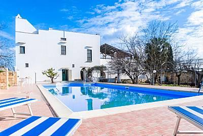 Villa en alquiler a 12 km de la playa Lecce