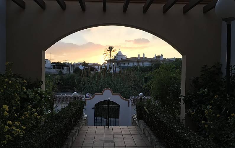 Luna Exterior del aloj. Málaga Nerja casa - Exterior del aloj.