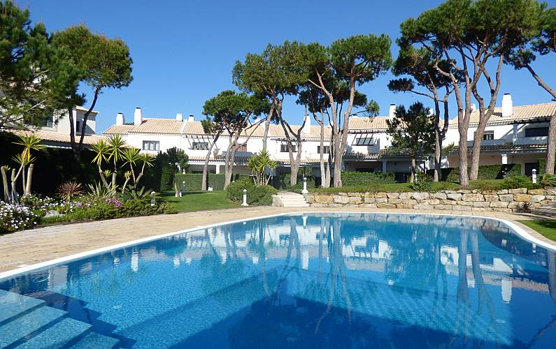 Pinewood Beach Villa - walking distance to Guincho Lisbon -