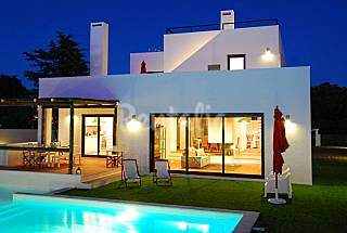 Villa with 4 bedrooms 3 km from the beach Setúbal