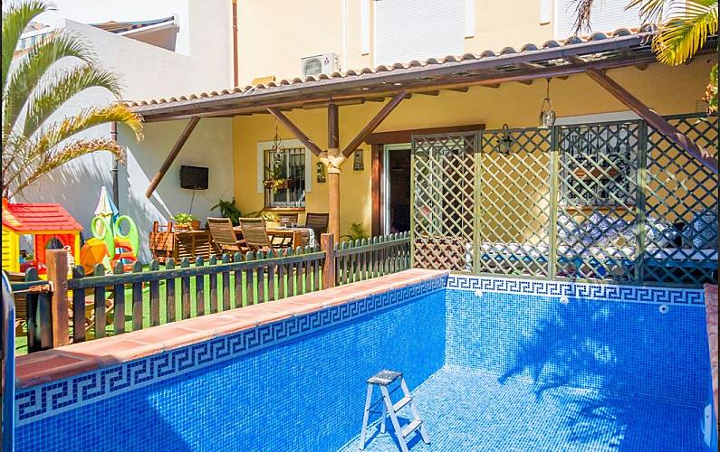 5431b906c78bf nerja alquiler villa con piscina - Nerja (Málaga) Costa del Sol