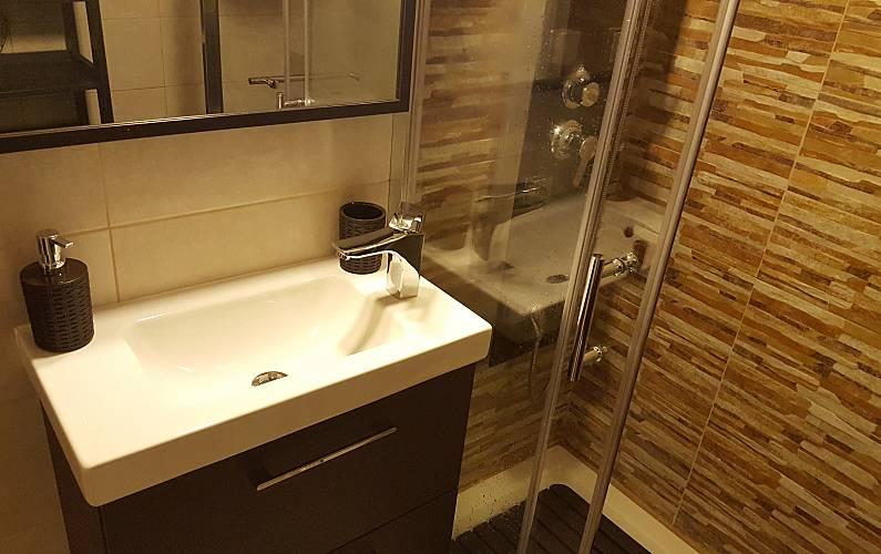 T-1 Bathroom Algarve-Faro Portimão Apartment - Bathroom