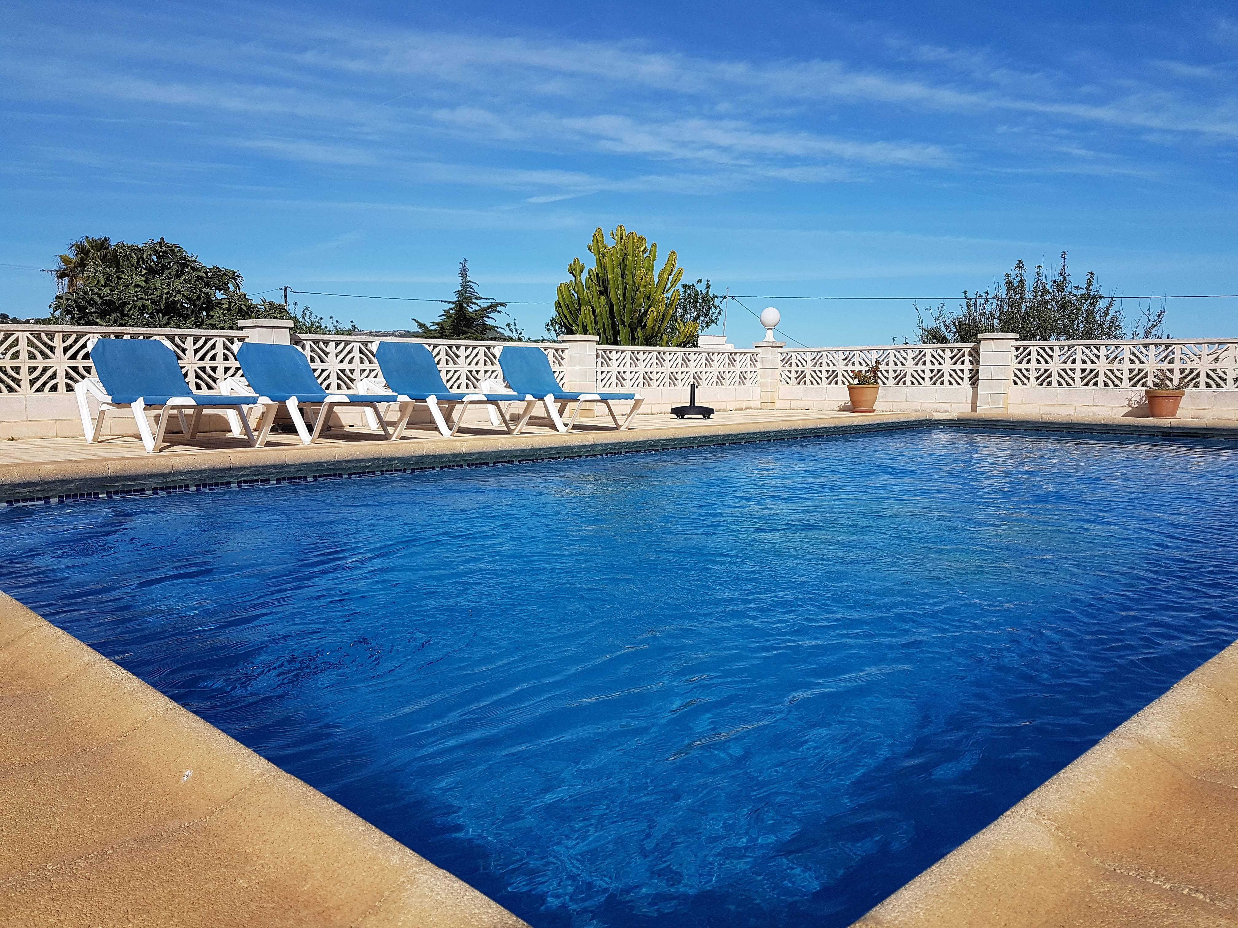Villa para 6 personas con piscina privada calpe calp for Piscina alicante
