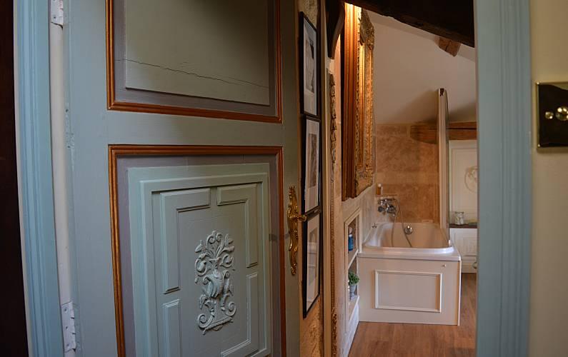 Rural Bathroom Lot-et-Garonne Fumel Countryside villa - Bathroom