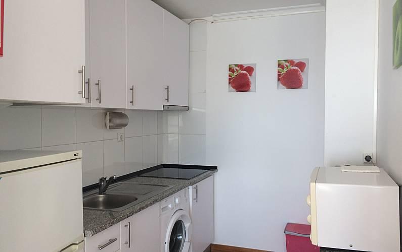 Praia Kitchen Algarve-Faro Portimão Apartment - Kitchen