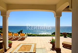 Villa de lujo en primerísima línea de playa Cádiz