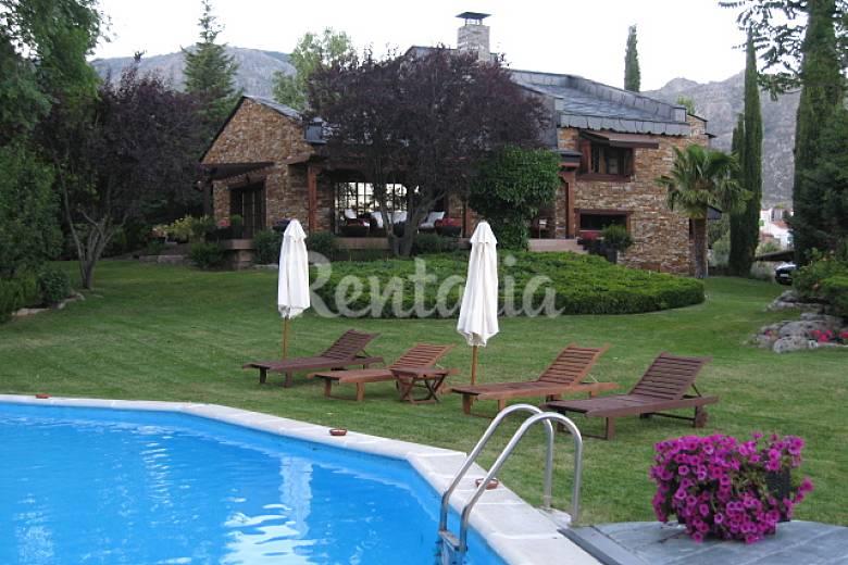 Casa de lujo en la sierra de guadarrama mataelpino el for Alquiler de casas vacacionales con piscina