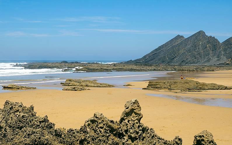 Beach and surf at 10min-Aljezur nice house Algarve-Faro - Environment