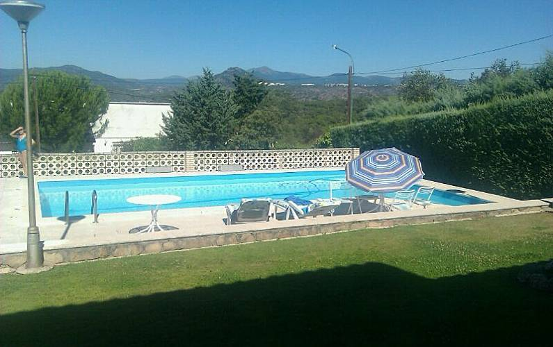 Villa For Rent With Swimming Pool Encinar Del Alberche Villa Del