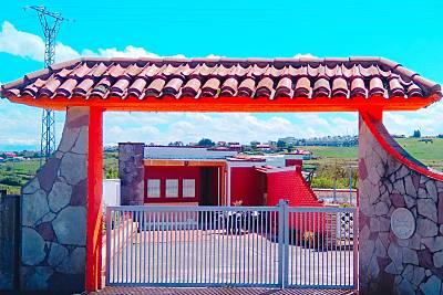 Casa independiente con amplio jardín  Cantabria